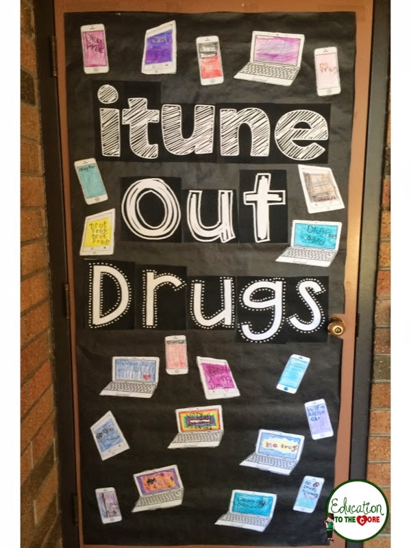 itune out drugs door decoration
